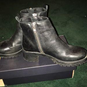 Chelsea Black booties